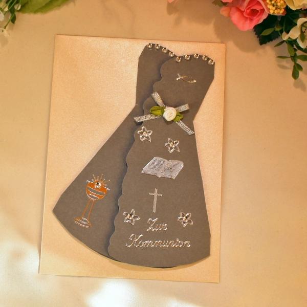 Graue Grußkarte zur Kommunion in Form eines Kleides