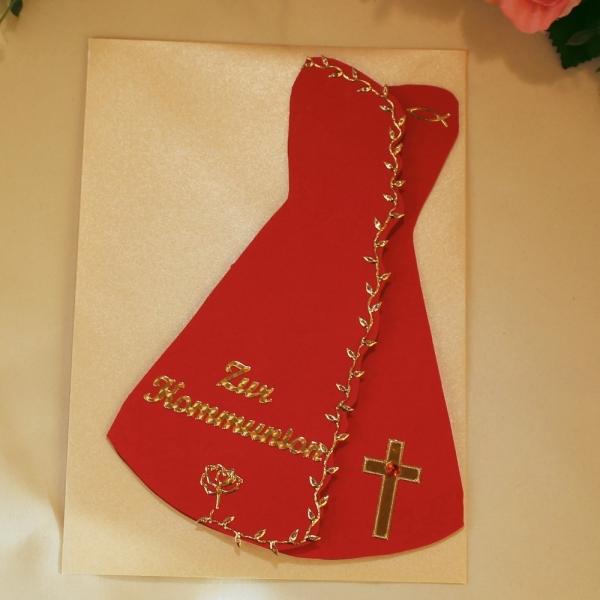 Rote Grußkarte zur Kommunion in Form eines Kleides